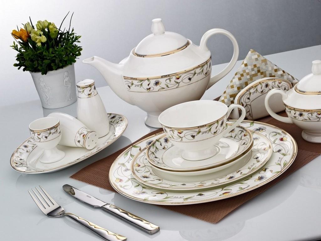 Klasik-tasarım-şık-porselen-yemek-takım-örnekleri